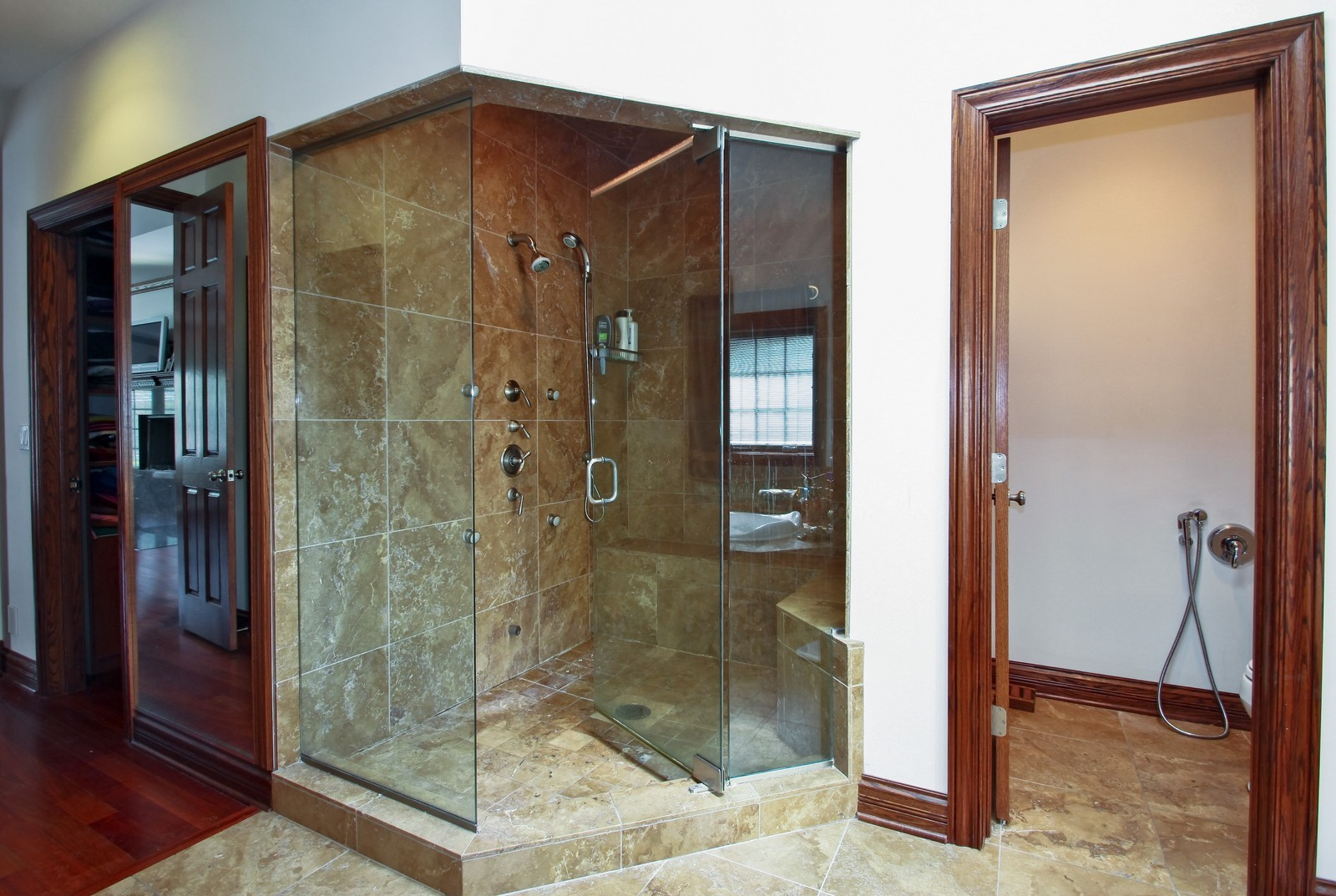 Real Estate Photography - 1641 Pickwick Lane, Glenview, IL, 60026 - Master Bathroom