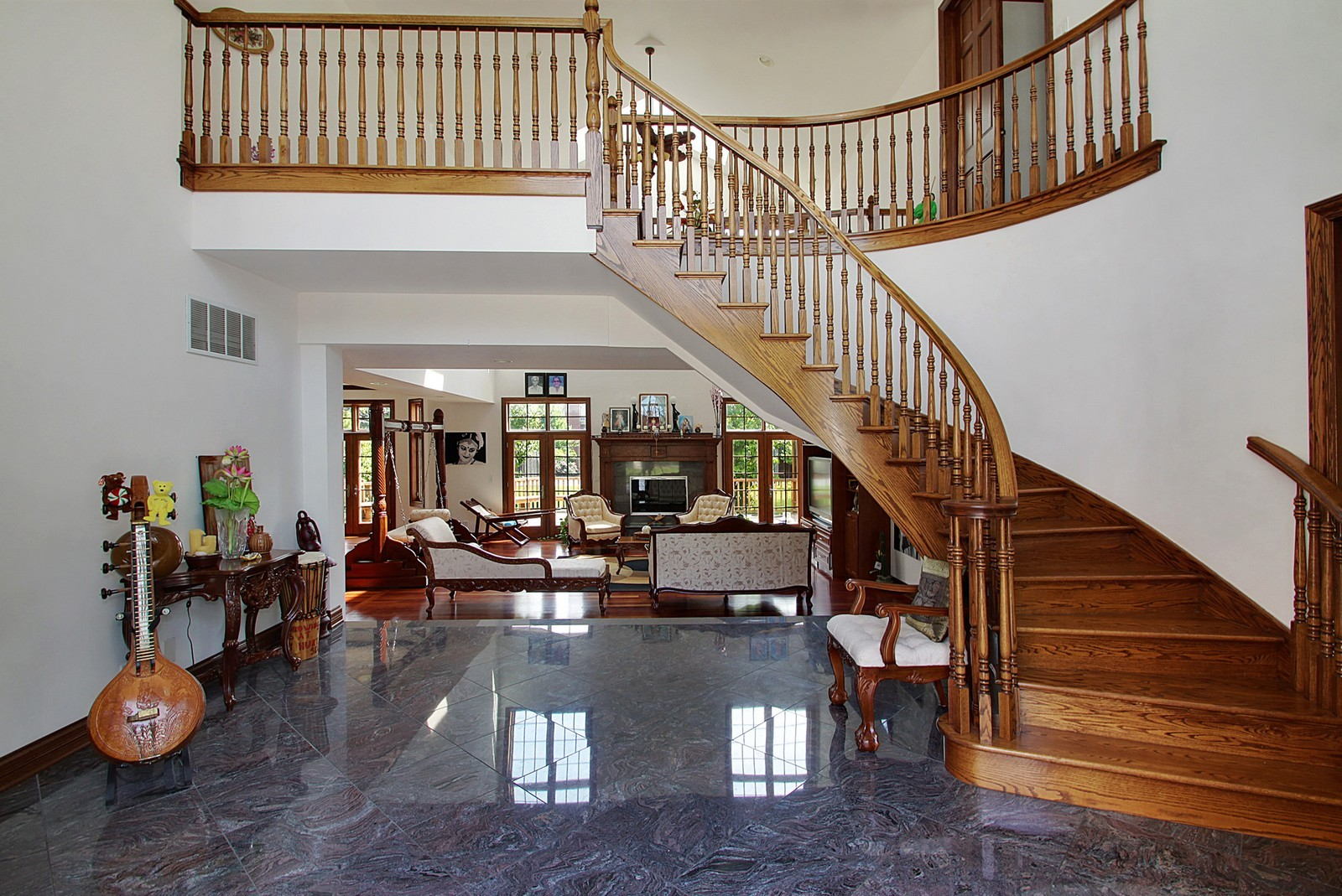 Real Estate Photography - 1641 Pickwick Lane, Glenview, IL, 60026 - Foyer