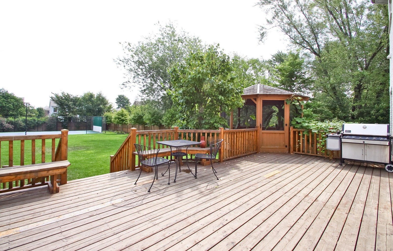 Real Estate Photography - 1641 Pickwick Lane, Glenview, IL, 60026 - Deck