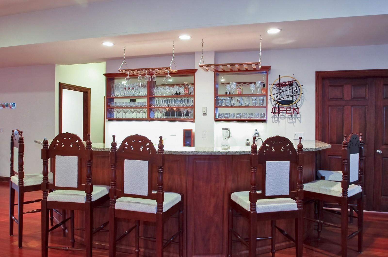 Real Estate Photography - 1641 Pickwick Lane, Glenview, IL, 60026 - Bar