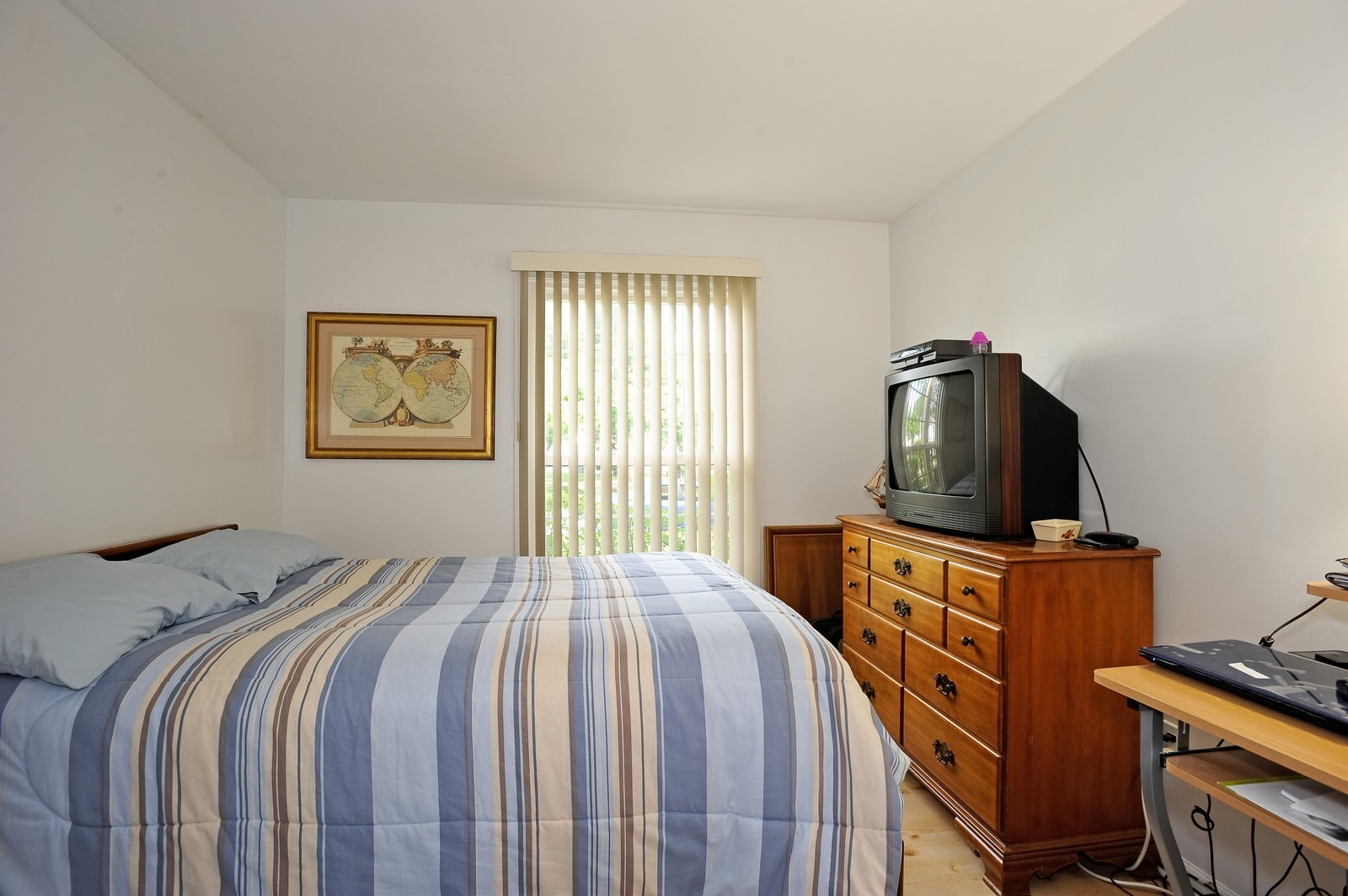 Real Estate Photography - 1138 Spring Garden, Naperville, IL, 60563 - Bedroom