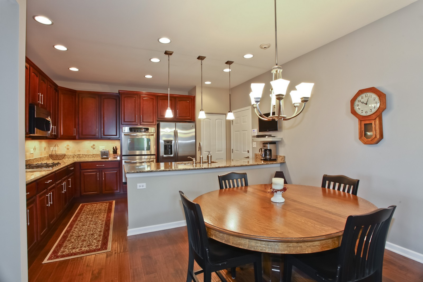 Real Estate Photography - 2769 Blakely Ln., Naperville, IL, 60540 - Kitchen / Breakfast Room