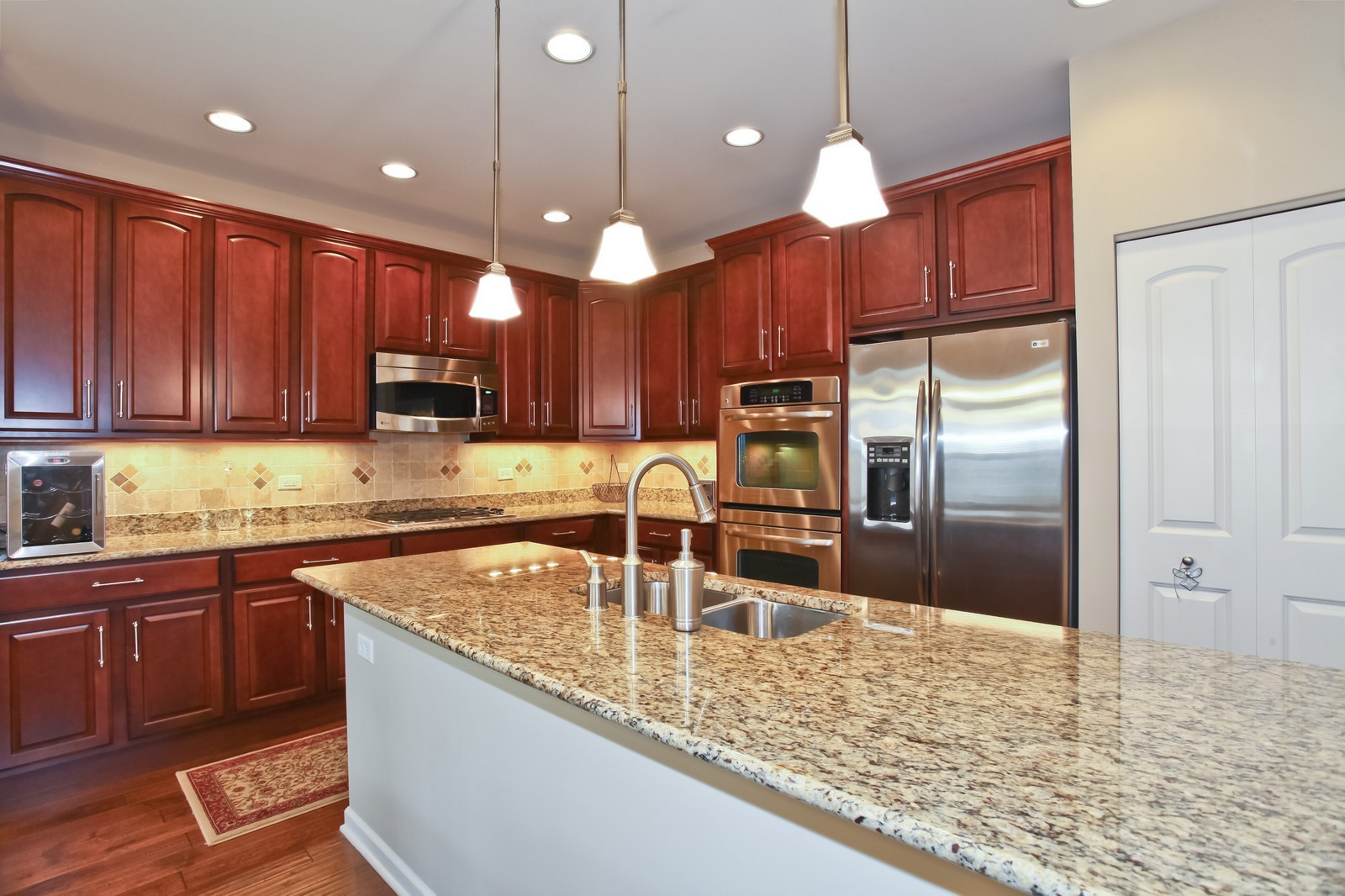 Real Estate Photography - 2769 Blakely Ln., Naperville, IL, 60540 - Kitchen