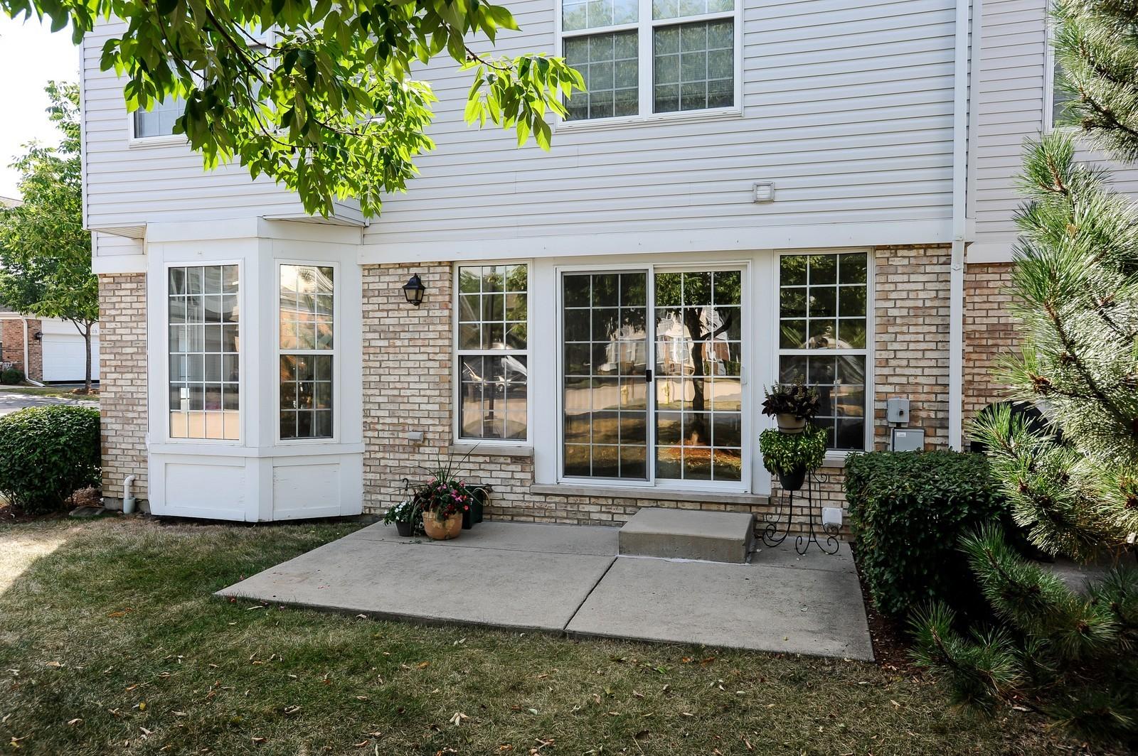 Real Estate Photography - 501 Citadel Circle, Westmont, IL, 60559 - Back Yard