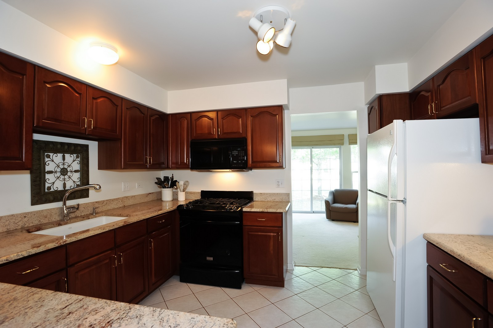 Real Estate Photography - 501 Citadel Circle, Westmont, IL, 60559 - Kitchen