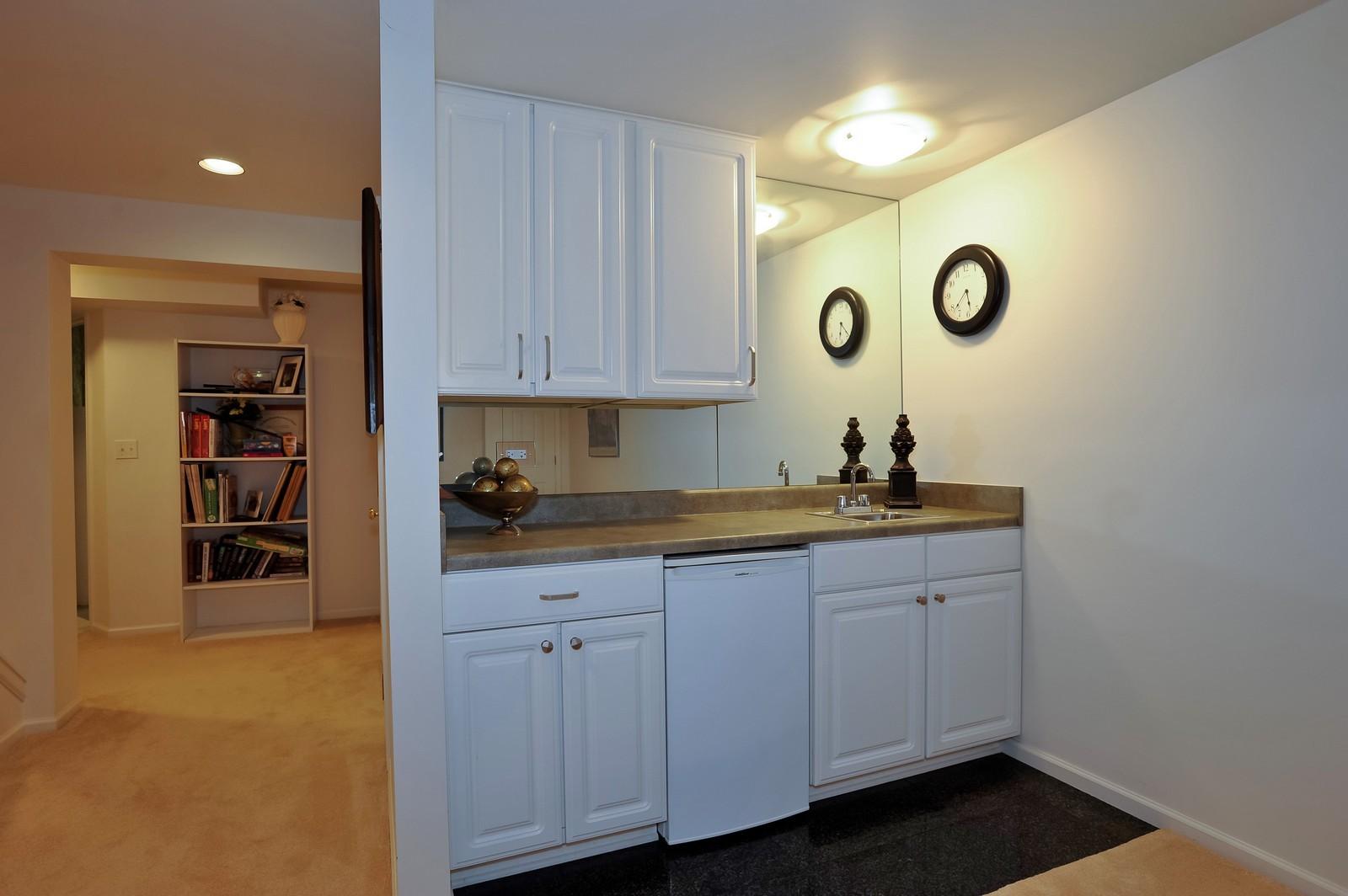 Real Estate Photography - 501 Citadel Circle, Westmont, IL, 60559 - Bar