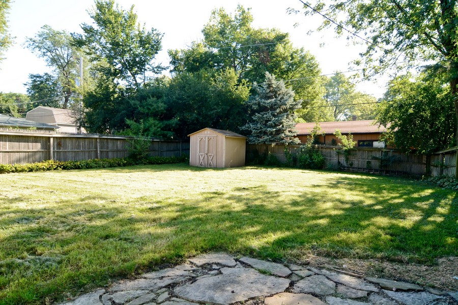 Real Estate Photography - 127 N. Pierce Ave., Wheaton, IL, 60187 - Back Yard
