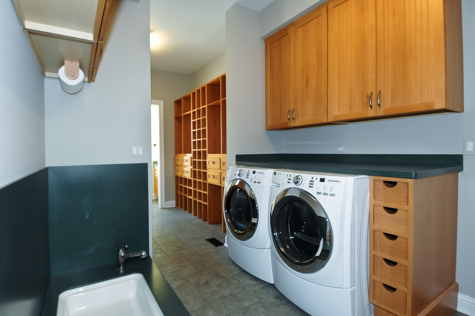 Real Estate Photography - 77 S Wynstone, North Barrington, IL, 60010 - Laundry Room
