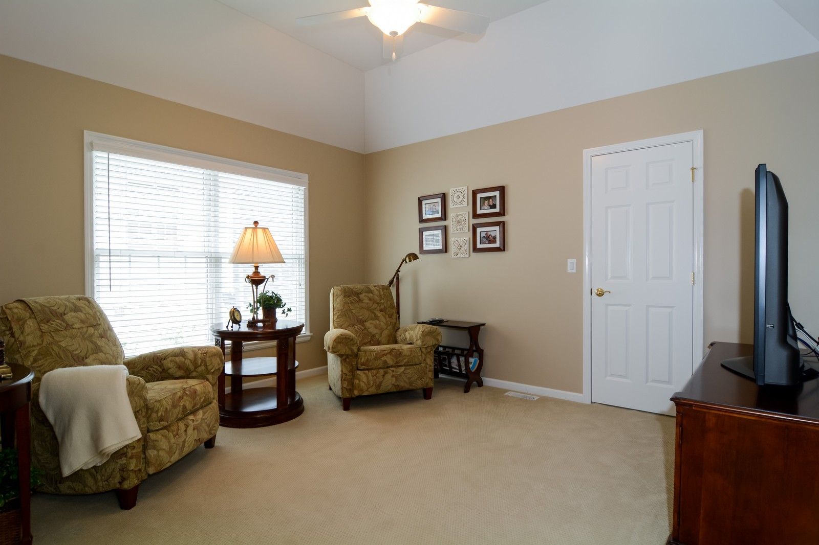 Real Estate Photography - 417 Kristin St, Westmont, IL, 60559 - Bedroom