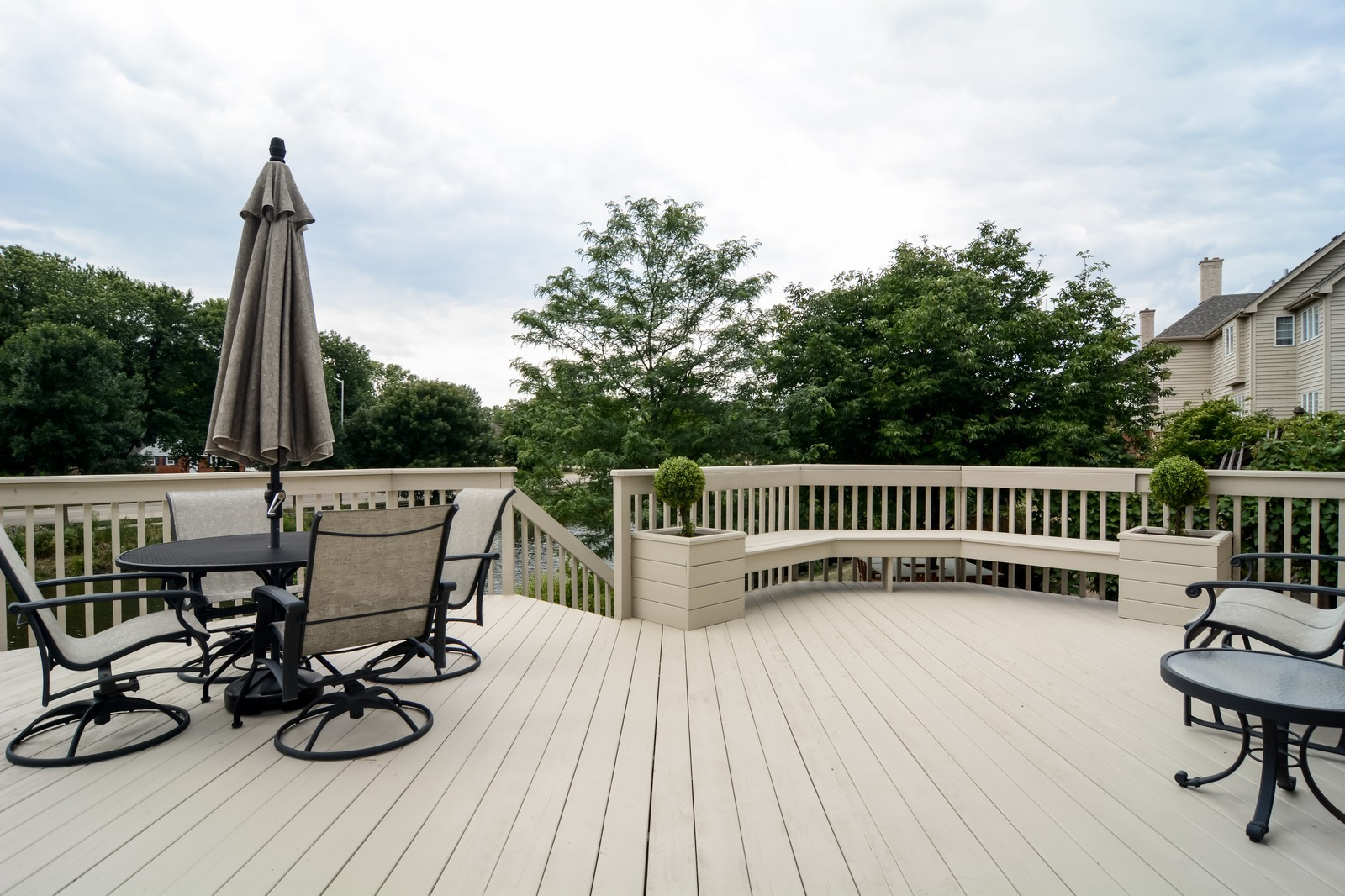 Real Estate Photography - 417 Kristin St, Westmont, IL, 60559 - Deck