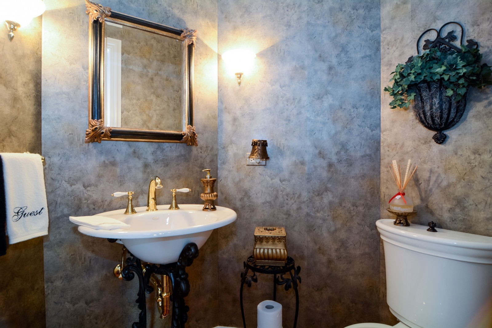 Real Estate Photography - 417 Kristin St, Westmont, IL, 60559 - Half Bath