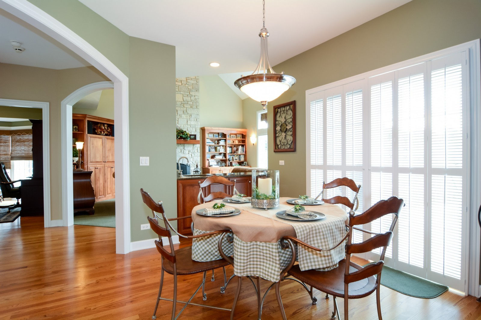 Real Estate Photography - 417 Kristin St, Westmont, IL, 60559 - Breakfast Nook