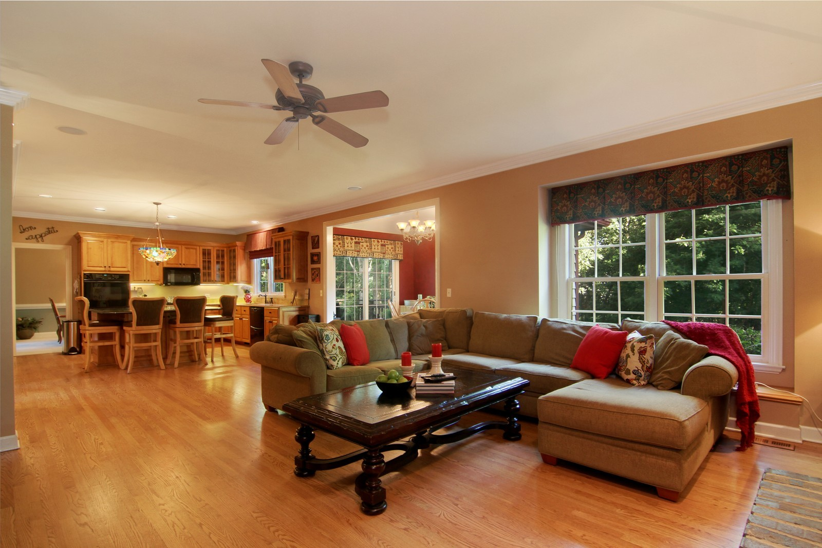 Real Estate Photography - 212 E 57th St, Westmont, IL, 60559 - Family Room / Kitchen