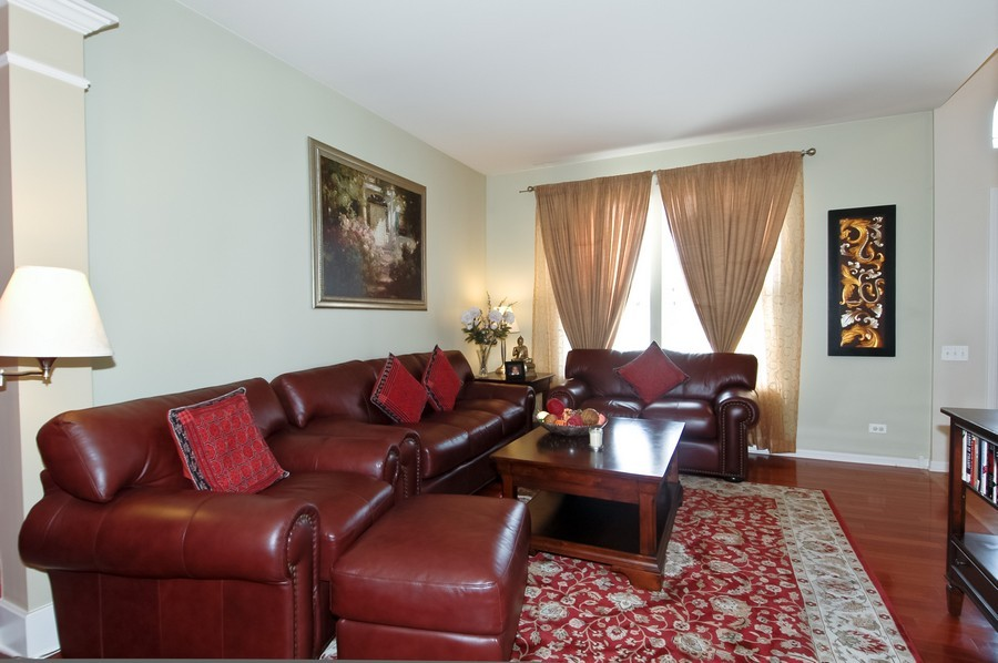 Real Estate Photography - 4370 Whitehall Ln, Algonoquin, IL, 60102 - Living Room