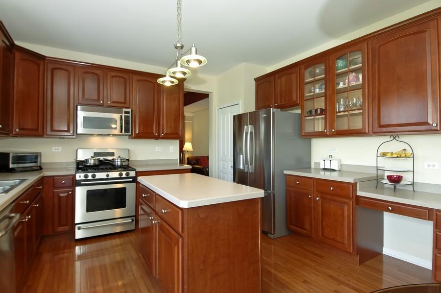 Real Estate Photography - 4370 Whitehall Ln, Algonoquin, IL, 60102 - Kitchen