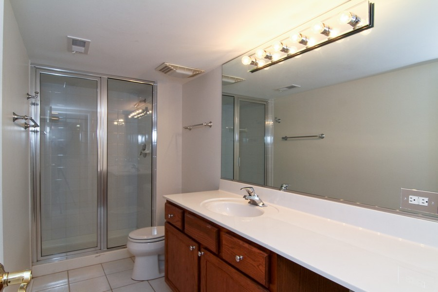 Real Estate Photography - 414 Park Ave, Clarendon Hills, IL, 60514 - 3rd Bathroom