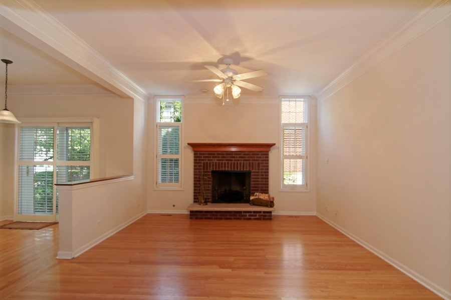 Real Estate Photography - 414 Park Ave, Clarendon Hills, IL, 60514 - Family Room