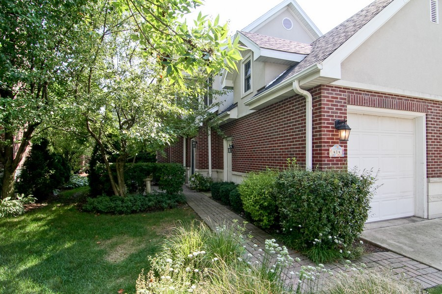 Real Estate Photography - 414 Park Ave, Clarendon Hills, IL, 60514 - Rear View