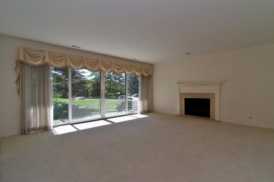 Real Estate Photography - 3 Oak Brook Club, D103, Oak Brook, IL, 60523 - Living Room
