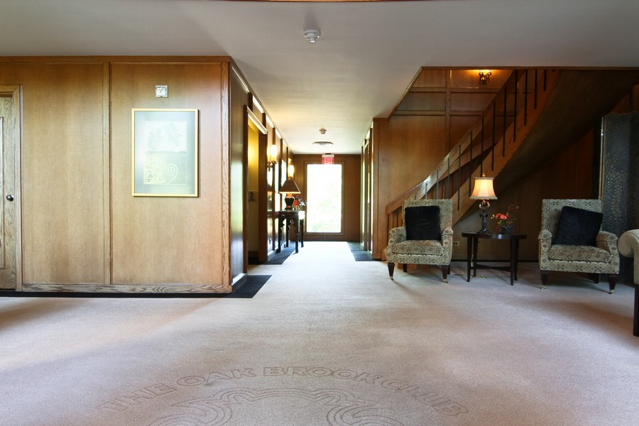 Real Estate Photography - 3 Oak Brook Club, D103, Oak Brook, IL, 60523 - Lobby