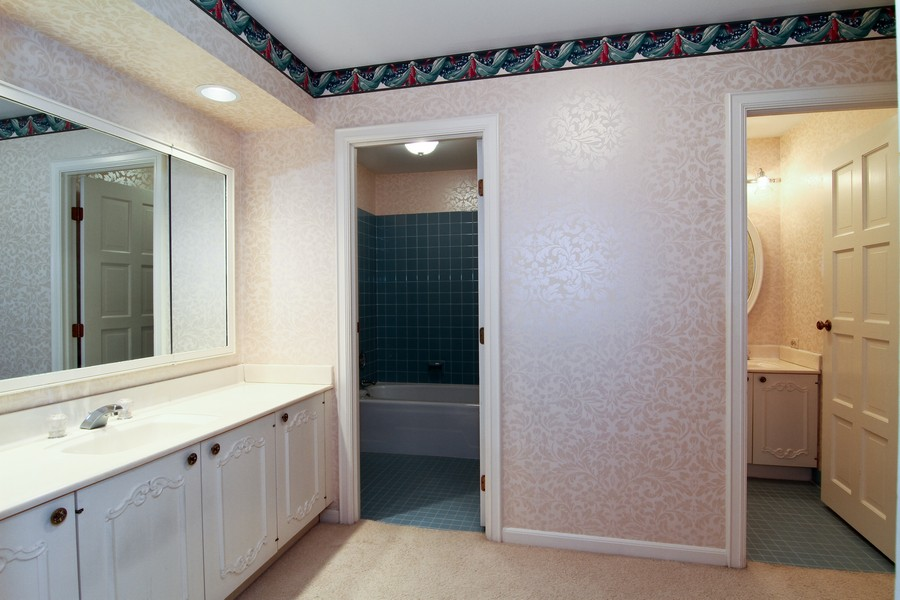 Real Estate Photography - 3 Oak Brook Club, D103, Oak Brook, IL, 60523 - Master Bathroom