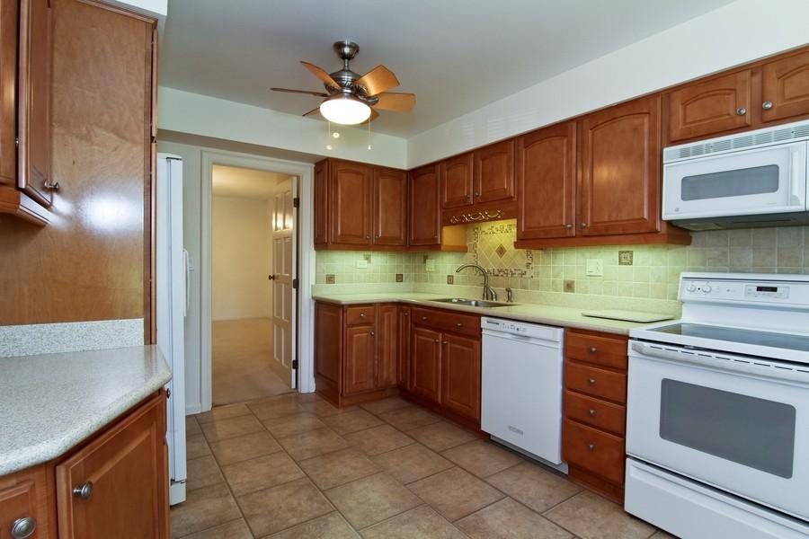 Real Estate Photography - 3 Oak Brook Club, D103, Oak Brook, IL, 60523 - Kitchen