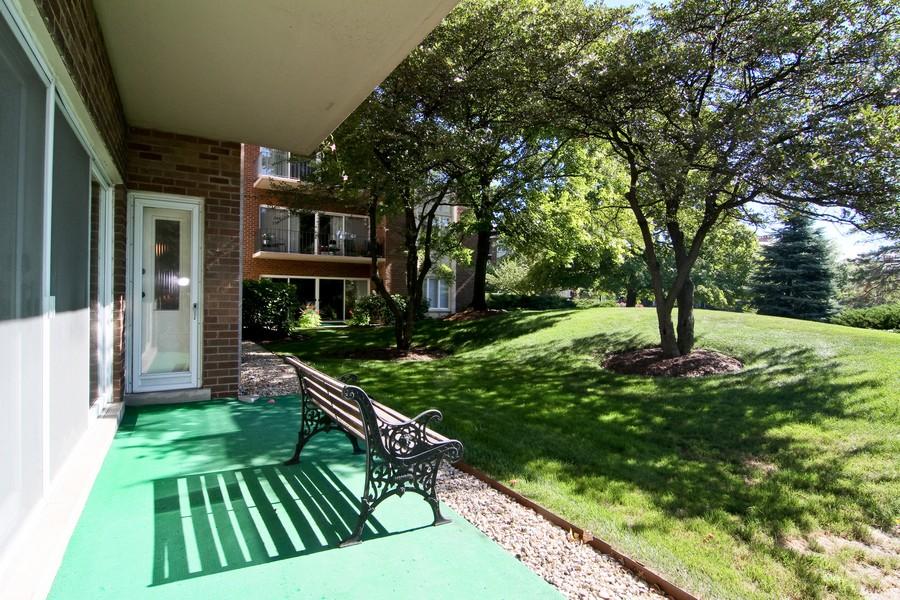 Real Estate Photography - 3 Oak Brook Club, D103, Oak Brook, IL, 60523 - Patio