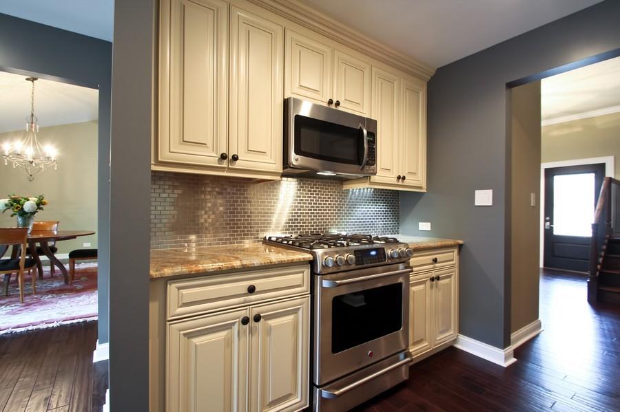 Real Estate Photography - 50 Briarwood Lane, Oak Brook, IL, 60523 - Kitchen