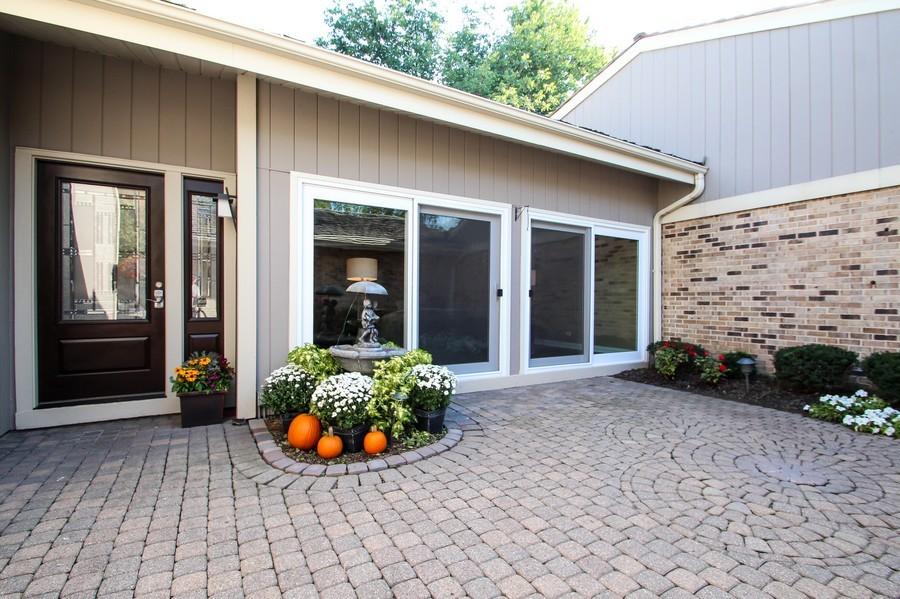 Real Estate Photography - 50 Briarwood Lane, Oak Brook, IL, 60523 - Front Courtyard