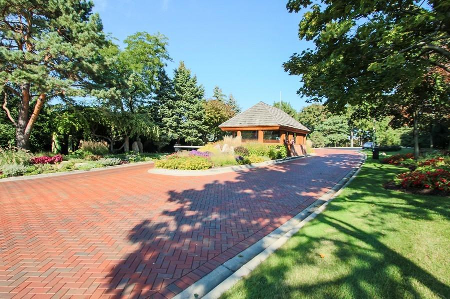 Real Estate Photography - 50 Briarwood Lane, Oak Brook, IL, 60523 - Gatehouse entrance