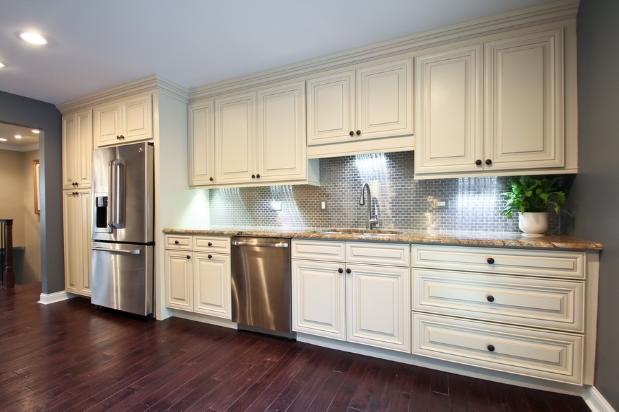 Real Estate Photography - 50 Briarwood Lane, Oak Brook, IL, 60523 - Chef's Kitchen