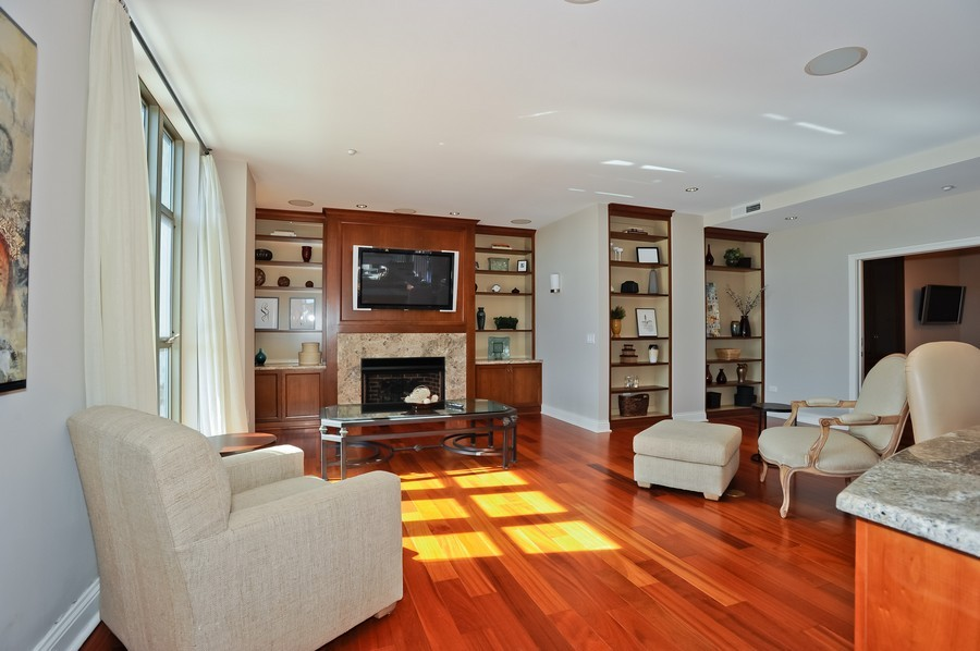 Real Estate Photography - 520 S Washington Street, PH3, Naperville, IL, 60540 - Living Room