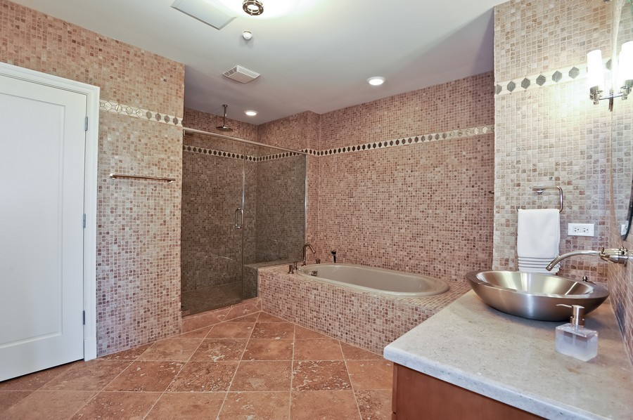 Real Estate Photography - 520 S Washington Street, PH3, Naperville, IL, 60540 - Master Bathroom