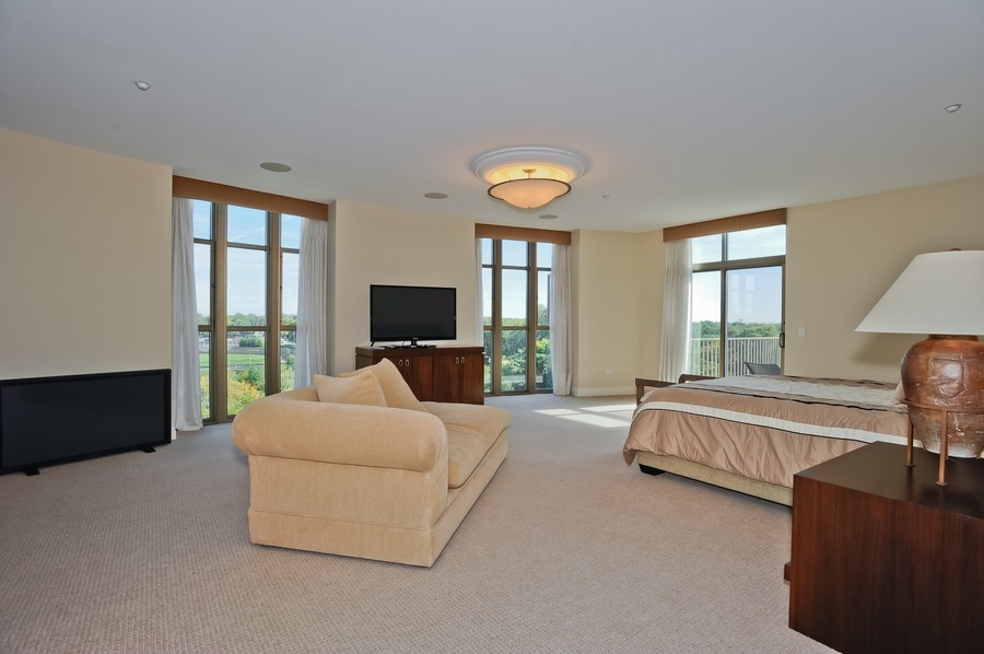 Real Estate Photography - 520 S Washington Street, PH3, Naperville, IL, 60540 - Master Bedroom