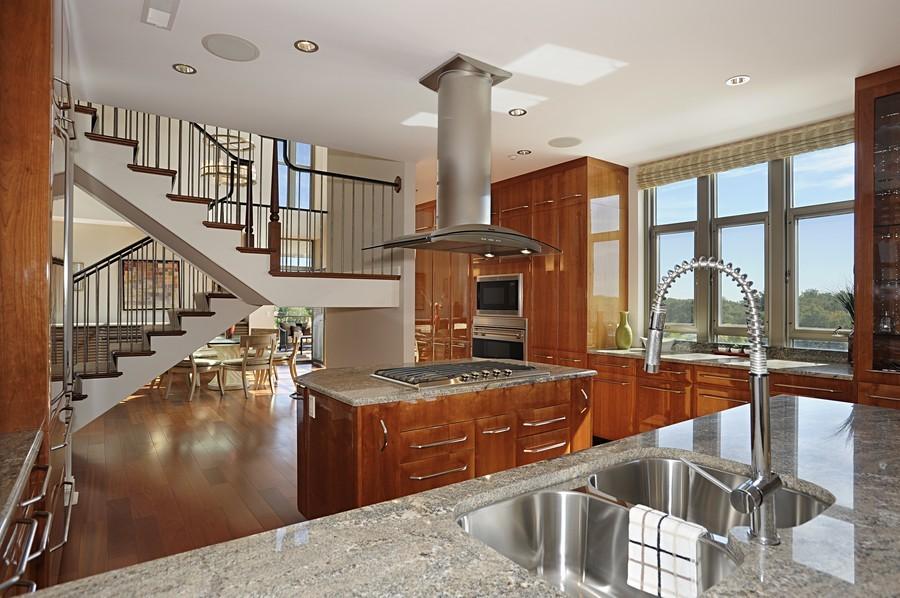 Real Estate Photography - 520 S Washington Street, PH3, Naperville, IL, 60540 - Kitchen
