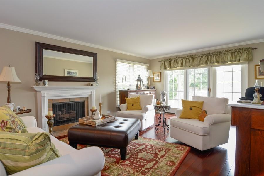 Real Estate Photography - 913 Wheaton Oaks Dr, Wheaton, IL, 60187 - Living Room