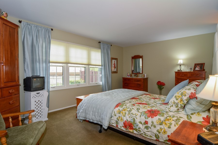 Real Estate Photography - 913 Wheaton Oaks Dr, Wheaton, IL, 60187 - Master Bedroom