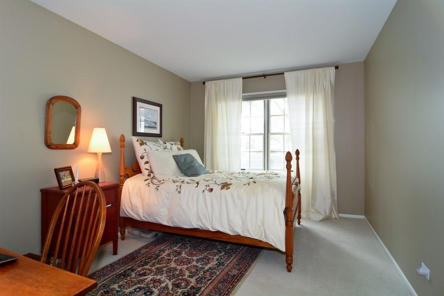 Real Estate Photography - 913 Wheaton Oaks Dr, Wheaton, IL, 60187 - Bedroom