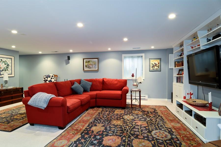 Real Estate Photography - 913 Wheaton Oaks Dr, Wheaton, IL, 60187 - Recreational Area