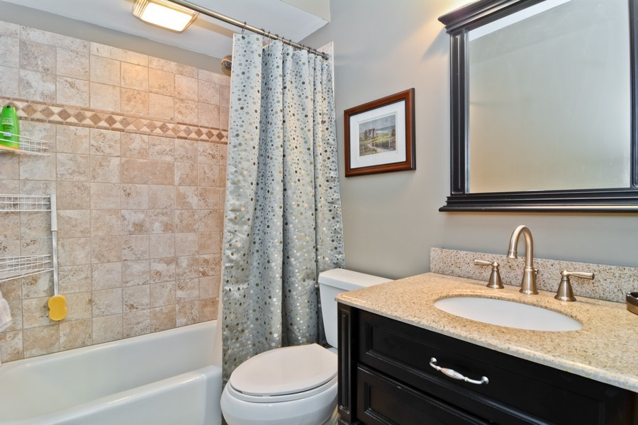 Real Estate Photography - 913 Wheaton Oaks Dr, Wheaton, IL, 60187 - Bathroom