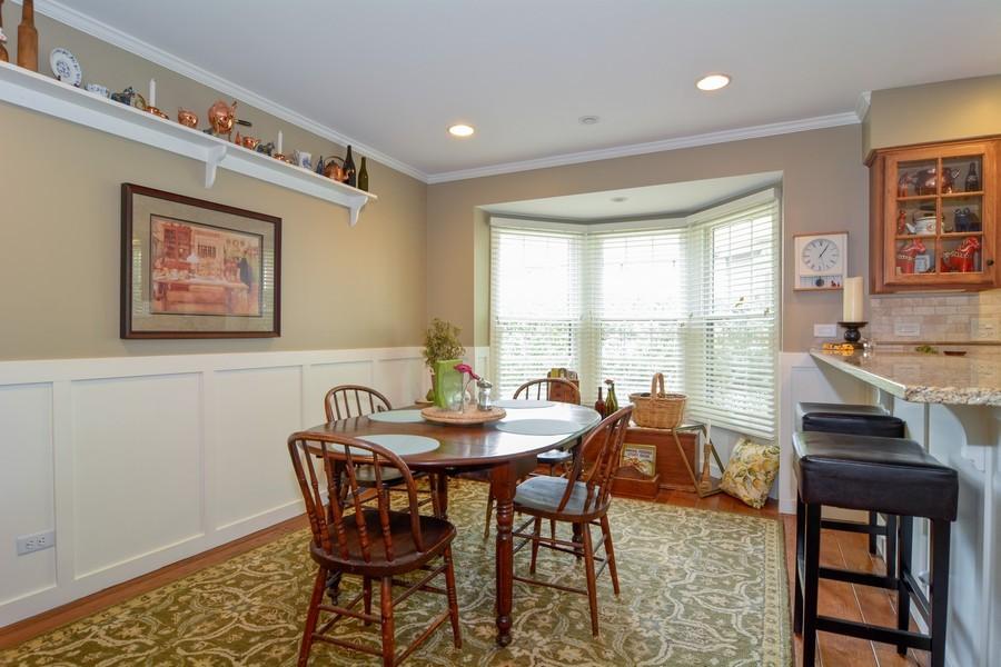 Real Estate Photography - 913 Wheaton Oaks Dr, Wheaton, IL, 60187 - Breakfast Nook