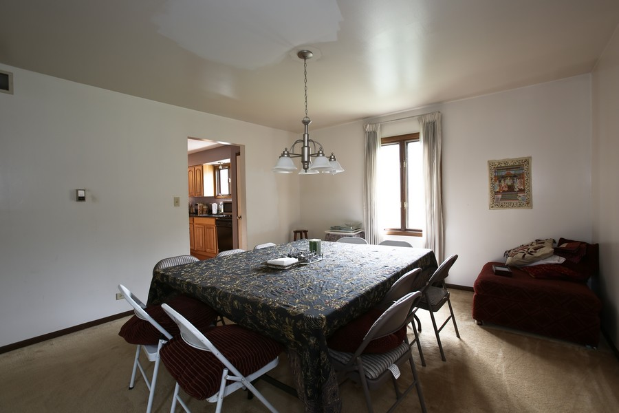 Real Estate Photography - 3351 Pomeroy Road, Downers Grove, IL, 60515 - Dining Room