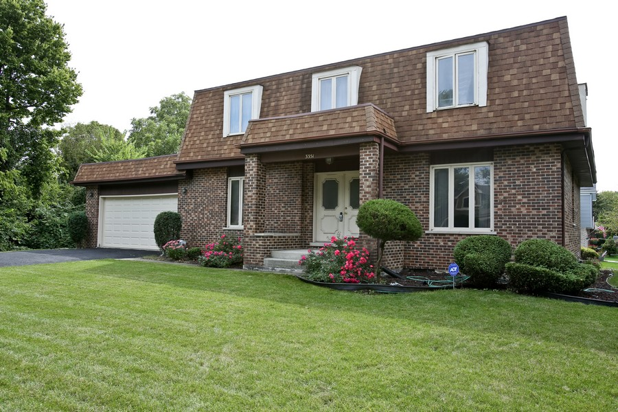 Real Estate Photography - 3351 Pomeroy Road, Downers Grove, IL, 60515 - Front View
