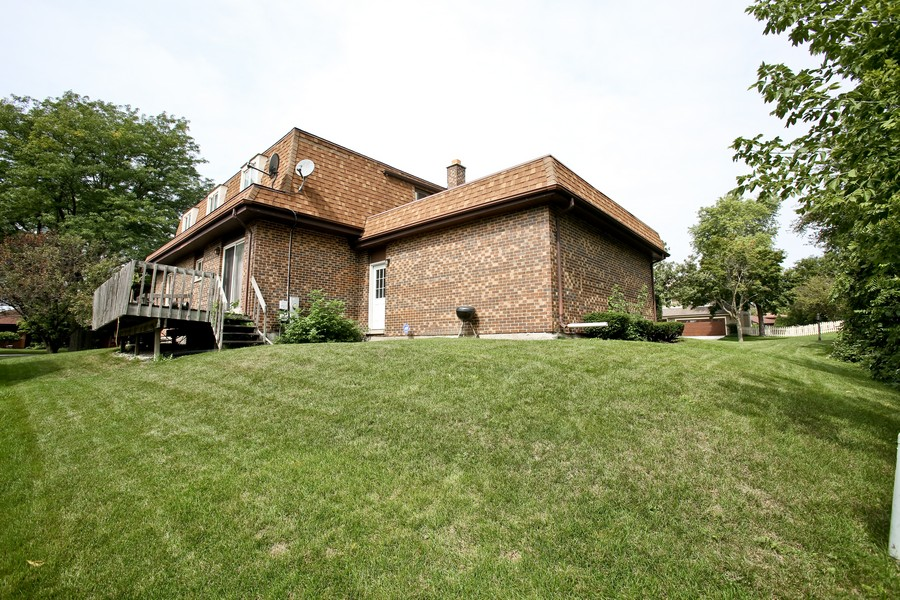 Real Estate Photography - 3351 Pomeroy Road, Downers Grove, IL, 60515 - Rear View