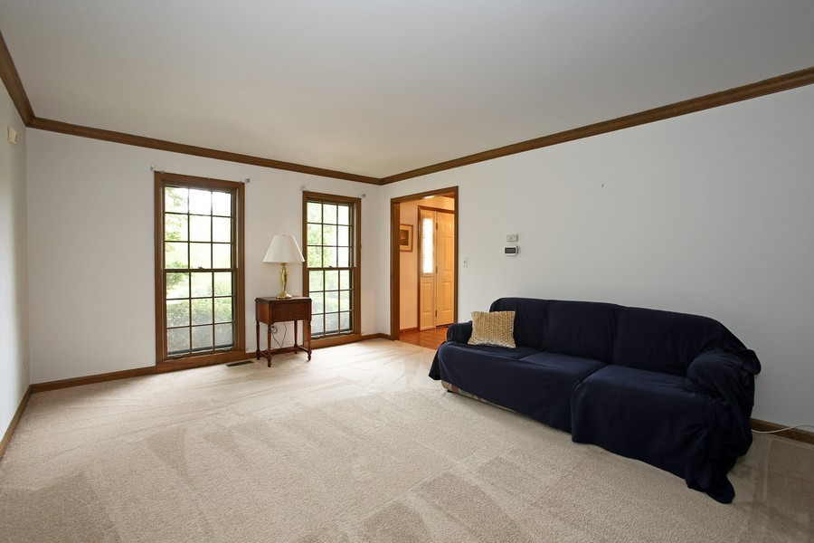 Real Estate Photography - 1006 augustana, Naperville, IL, 60565 - Living Room