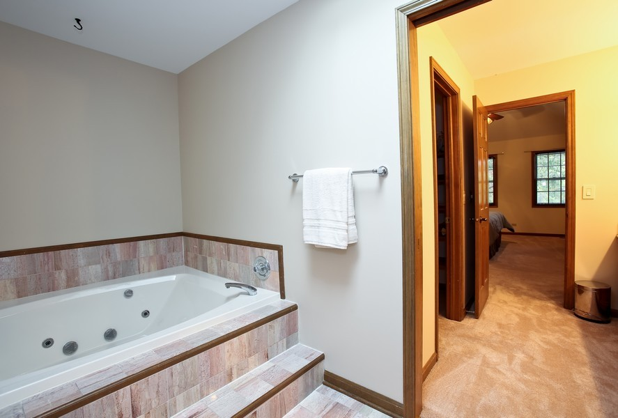 Real Estate Photography - 1006 augustana, Naperville, IL, 60565 - Master Bathroom