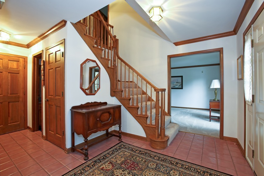 Real Estate Photography - 1006 augustana, Naperville, IL, 60565 - Foyer