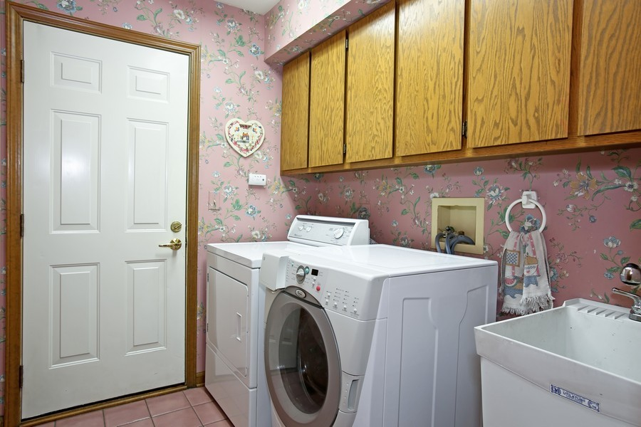 Real Estate Photography - 1006 augustana, Naperville, IL, 60565 - Laundry Room