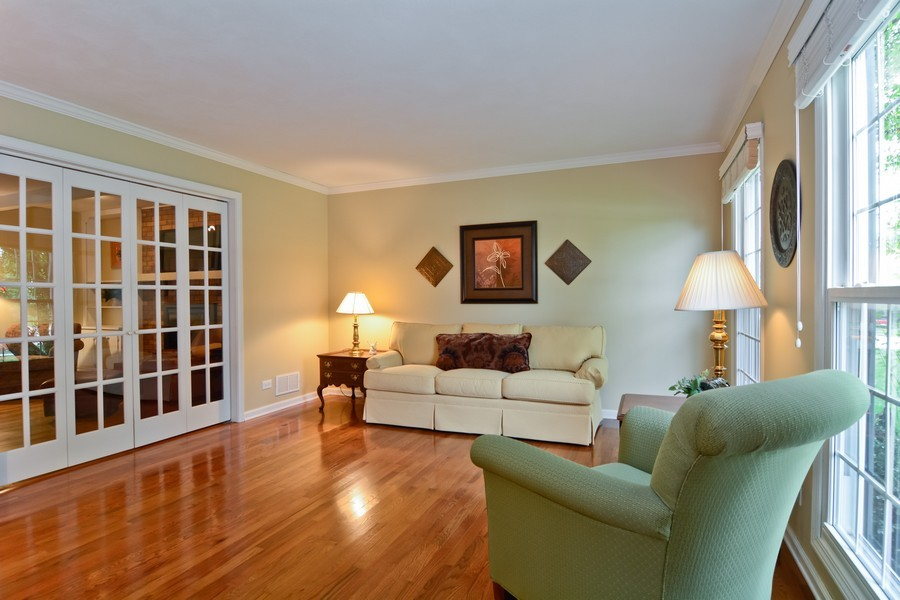 Real Estate Photography - 22W119 McCarron, Glen Ellyn, IL, 60137 - Living Room