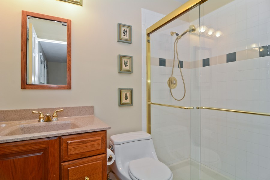 Real Estate Photography - 22W119 McCarron, Glen Ellyn, IL, 60137 - Master Bathroom
